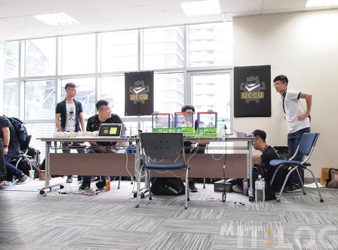 台灣駭客年會 HITCON 2018 直擊報導:區塊鏈換禮物!密室逃脫考駭客技術!