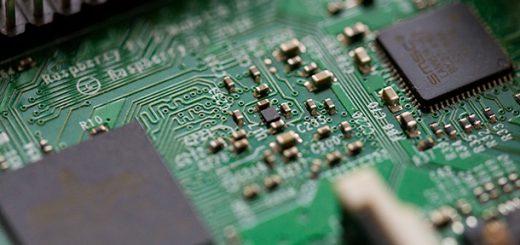 人工智慧與工業的完美給合 AI自動化檢驗電路板品質
